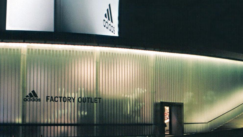 584_adidas_01